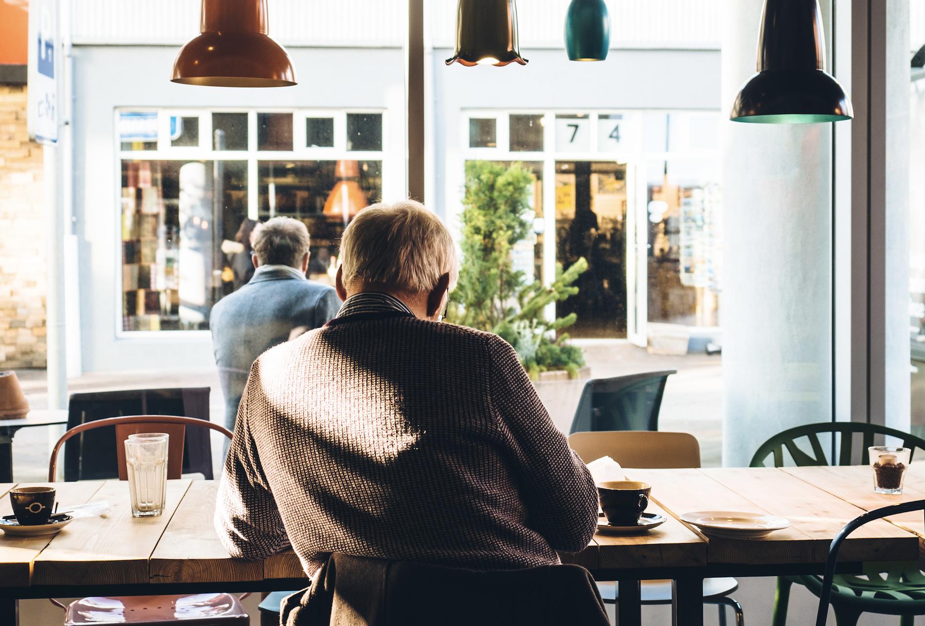 La restauration digitale est-elle incompatible avec les seniors ?
